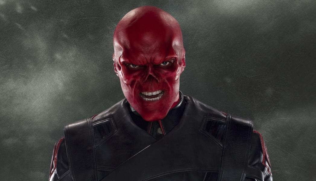 Avengers 3 a 4 : Proč padouch Red Skull změnil představitele | Fandíme filmu