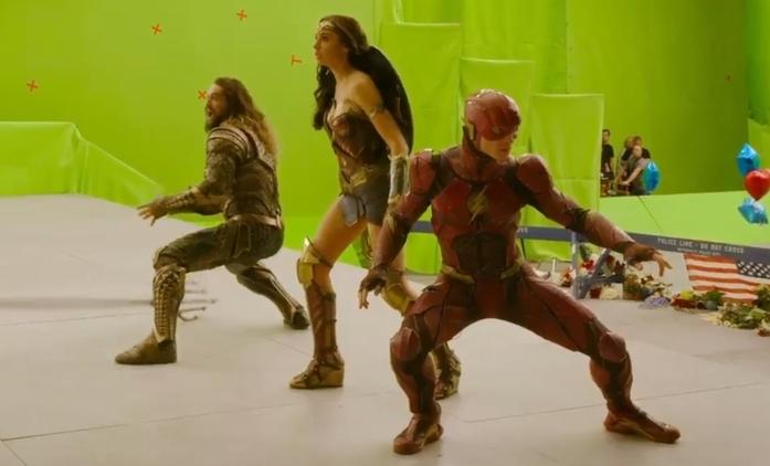 Justice League: Nabitý featurette oslavuje konec natáčení | Fandíme filmu