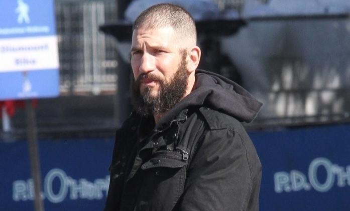 Punisher: Oholená hlava a další fotky z natáčení | Fandíme seriálům