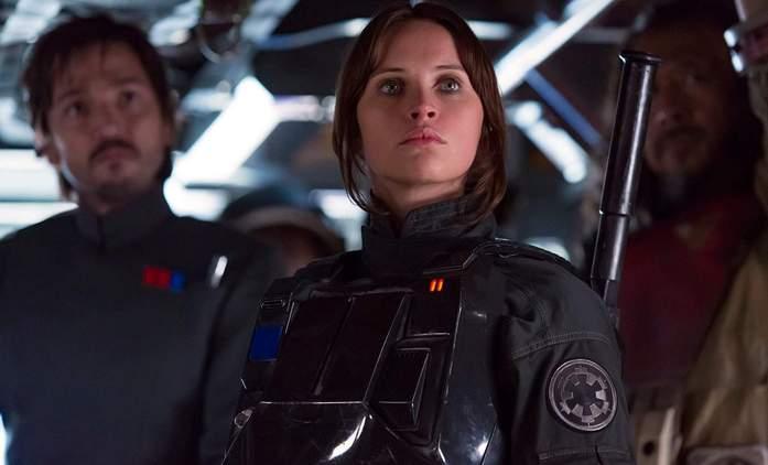 Rogue One: Scenárista Tony Gilroy promluvil o přetáčkách a svém vlivu | Fandíme filmu