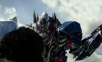 Transformers: Poslední rytíř: Nejnovější trailer s roboty a rytíři | Fandíme filmu