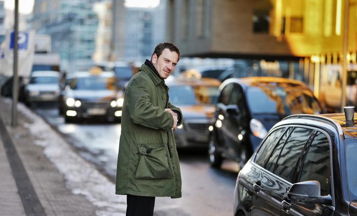 Sněhulák: První fotka z adaptace detektivky Joa Nesbøho | Fandíme filmu