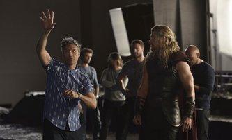 Thor: Ragnarok: Oficiální synopse a fotka ze zákulisí | Fandíme filmu