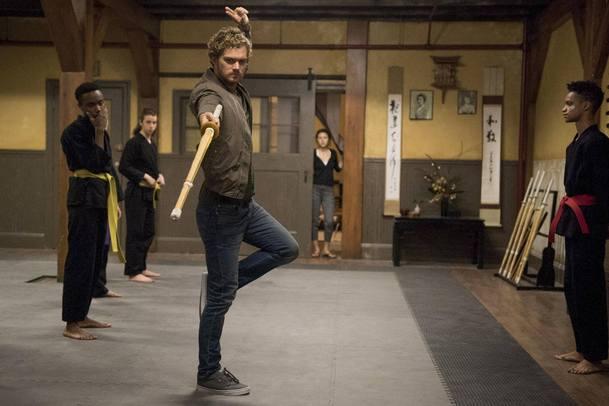 Iron Fist: Oficiálně oznámená 2. řada mění showrunnera   Fandíme serialům