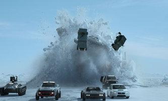 Rychle a zběsile: Zkuste si tipnout, kolik Diesel a spol. za ta léta zničili aut | Fandíme filmu