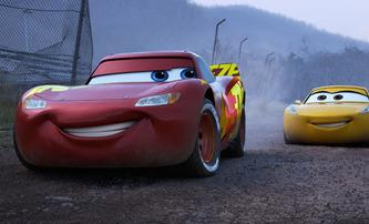 Auta 3: Bleska McQueena pořád neopouští naděje v dalším traileru | Fandíme filmu