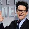 Hollywood se pere o hitmakera J.J. Abramse, režiséra Star Wars. Stamilionové nabídky létají vzduchem | Fandíme filmu