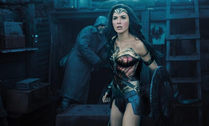 Wonder Woman 2: Nový banner směřuje do roku 1984   Fandíme filmu