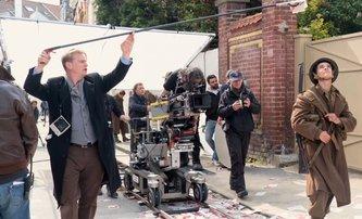 Tenet: Robert Pattinson na prvních fotkách z natáčení špionážního velkofilmu Christophera Nolana | Fandíme filmu