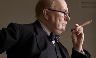 Darkest Hour: Gary Oldman se zcela převtělil v Churchilla | Fandíme filmu
