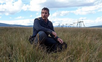 Hostiles: Christian Bale v prvním traileru drsného westernu | Fandíme filmu