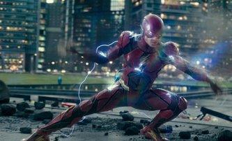The Flash: Klíčoví herci jsou i nadále svázaní s odkládaným projektem | Fandíme filmu