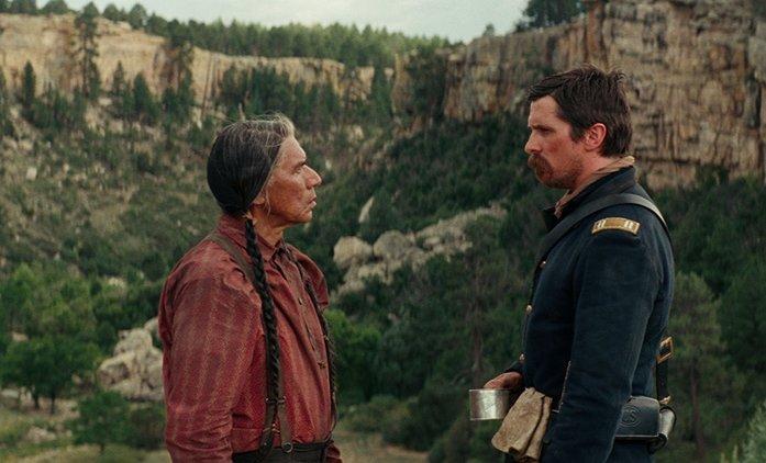 Hostiles: Další trailer plný drsných výjevů z divokého západu | Fandíme filmu