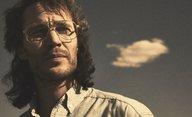 Waco: minisérie s Michaelem Shannonem a Taylorem Kitschem se odhaluje v traileru | Fandíme filmu