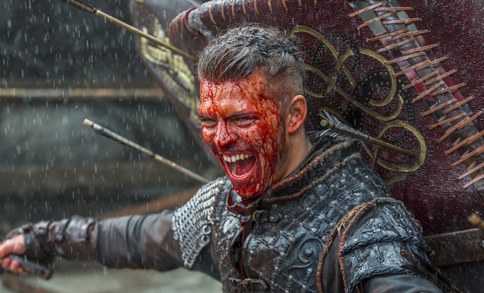 Ivar z Vikingů očima jeho představitele: Je to zlomené dítě | Fandíme seriálům
