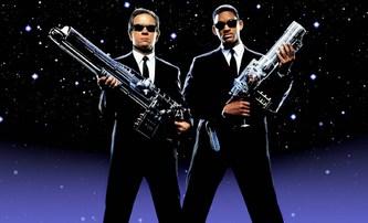 Muži v černém: Chris Hemsworth si přivede posilu z Thora | Fandíme filmu