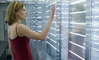 Hummingbird: Sci-fi ve stylu Lucy a Bournea s Millou Jovovich | Fandíme filmu