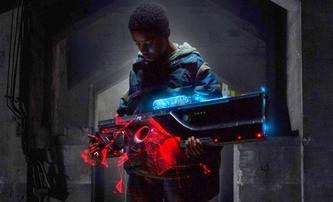 Kin: Vesmírná mega puška rozčísne situaci ve sci-fi traileru   Fandíme filmu