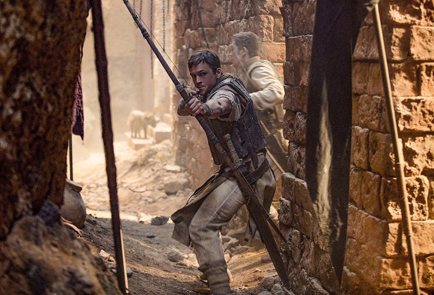Robin Hood: Mix Artuše, Assassins Creed, Arrowa a Kingsmana v traileru | Fandíme filmu