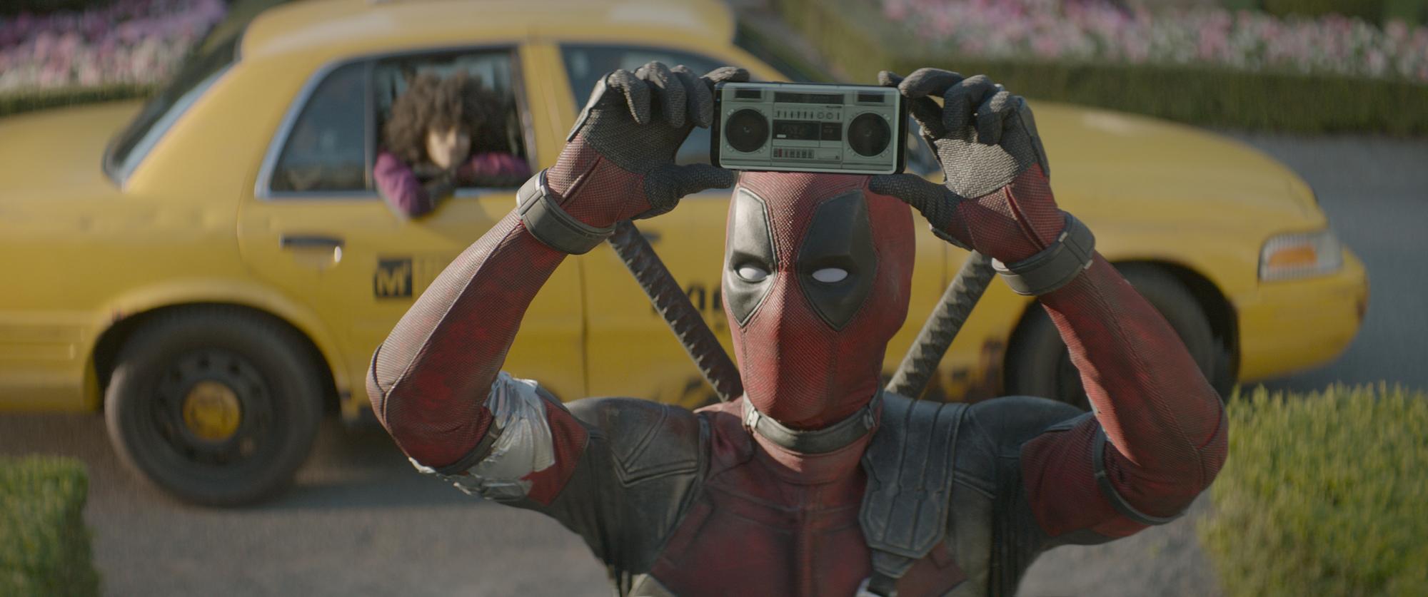 Ryan Reynolds neví, co bude s Deadpoolem, ale má pro vás tajný sestřih Green Lanterna | Fandíme filmu