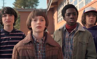 Stranger Things: Komplexní souhrn informací o 3. řadě | Fandíme filmu