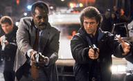 Smrtonosná zbraň 5 je stále v přípravě, drží režiséra mimo důchod | Fandíme filmu