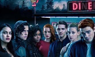 Recenze: Jak si vedla 2. série Riverdale? | Fandíme seriálům