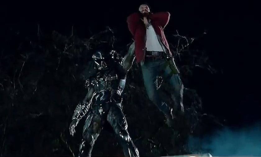 Predátor: Evoluce: Nová fotka z filmu a pohled na predátoří oblek | Fandíme filmu