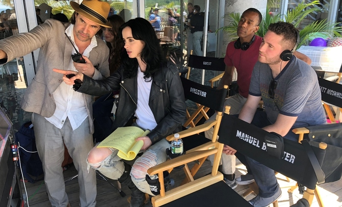 Jessica Jones 3: Krysten Ritter se chopila režie!   Fandíme seriálům