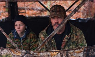 The Legacy of a Whitetail Deer Hunter: Josh Brolin učí syna lovit | Fandíme filmu