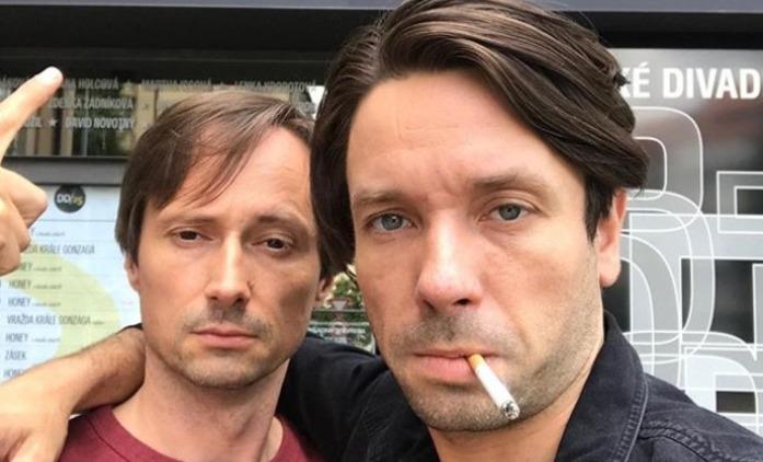 Zkáza Dejvického divadla: Seriál obsadí příbuzné herců | Fandíme seriálům