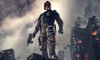 Dredd 2: Scenárista Alex Garland se po nepříjemném zážitku z prvního Dredda vrátit nechce | Fandíme filmu