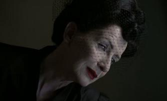 Joker: Nakonec si zahraje Phoenixovu matku Frances Conroy | Fandíme filmu