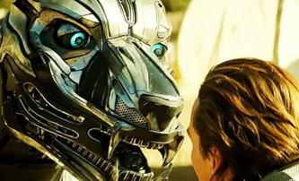 A.X.L.: Robotické psisko řádí v trojici preview klipů | Fandíme filmu