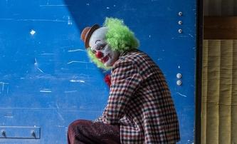 Joker: Joaquin Phoenix na nové fotce z filmu | Fandíme filmu