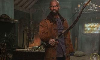 Robin Hood: Jak rychle střílí šípy Taron Egerton | Fandíme filmu