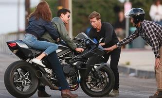 Top Gun: Maverick - Cruise a Connelly na fotkách z natáčení   Fandíme filmu