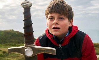 Chlapec, který se stane králem: Představujeme britskou fantasy o Excalibru | Fandíme filmu