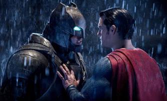 "Jason ""Aquaman"" Momoa by pochopil, kdyby Affleck a Cavill opustili DC | Fandíme filmu"