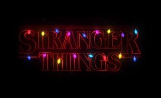 Stranger Things: Hvězdy seriálu přejí veselé Vánoce | Fandíme filmu