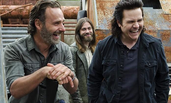 Živí mrtví mají legraci z nového filmu Zacka Snydera | Fandíme seriálům