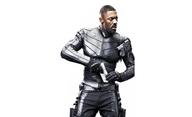 Hobbs & Shaw: Idris Elba přinesl rychlým a zběsilým hrdinům válku v nové upoutávce | Fandíme filmu