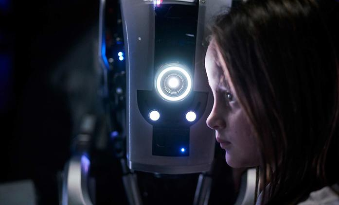 I Am Mother: Spása lidstva je opředená robotickými lžemi   Fandíme filmu