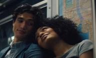 The Sun is Also a Star: Chystaná romance vás donutí, abyste si ji zamilovali v jediném traileru | Fandíme filmu