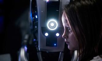 I Am Mother: Spása lidstva je opředená robotickými lžemi | Fandíme filmu