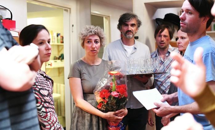 Zkáza Dejvického divadla rozdělila diváky na dva tábory, reakce jsou rozpačité | Fandíme seriálům