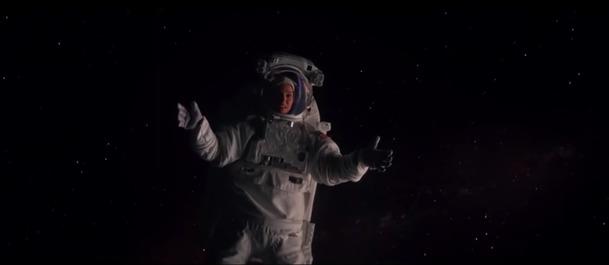 Lucy In The Sky: Mindfuckové sci-fi od režiséra seriálového Farga v prvním traileru | Fandíme filmu