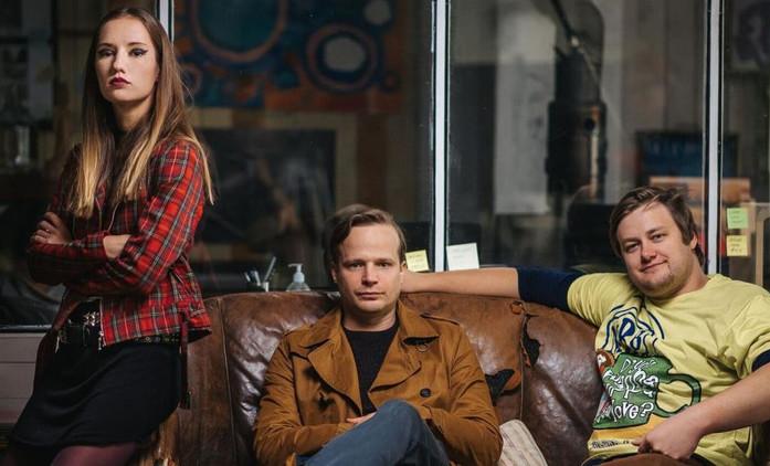 Všechno je jinak: Nová komedie od autora MOSTu! již 28.3. na MALL TV   Fandíme seriálům