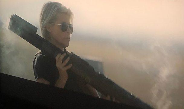 Terminátor: Temný osud: Trailer na obzoru, Sarah Connor s bazukou na nové fotce | Fandíme filmu