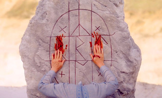 Slunovrat: Horor Midsommar dostává český název, datum premiéry a nadšené recenze | Fandíme filmu